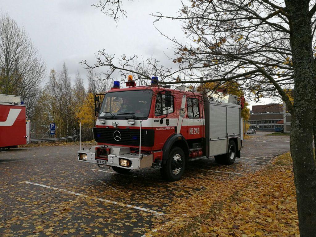 Lauttasaaren VPK:n raivaus- ja pioneeriyksikkö HE245.